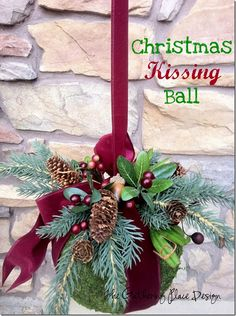 The Gathering Place Design: Christmas Kissing Ball Tutorial Christmas Balls, Winter Christmas, All Things Christmas, Christmas Holidays, Christmas Wreaths, Merry Christmas, Christmas Ornaments, Christmas Projects, Holiday Crafts