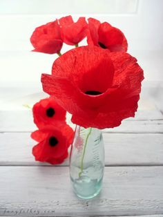 Poppies Paper Flowers  •  Free tutorial with pictures on how to make a bouquet in under 10 minutes