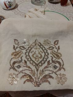 This Pin was discovered by Arz Crewel Embroidery, Cross Stitch Embroidery, Machine Embroidery, Weaving Patterns, Baby Knitting Patterns, Counted Cross Stitch Patterns, Cross Stitch Designs, Hand Embroidery Design Patterns, Forearm Tattoo Design