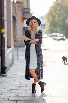grey long dress / long cardigan / black hat / short booties
