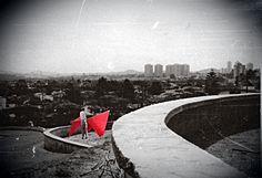 Bicho na Praça do Por do sol. São Paulo. Instalação em homenagem à Lígia Clark. Laboratório de processos criativos e história da arte contemporânea. - Núcleo Henfil - 1992.