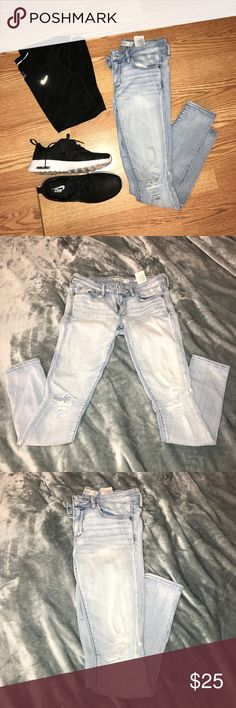 Abercrombie & Fitch Distressed Jeans Distressed at the knees! Super comfy size 26x29 or 2s Abercrombie & Fitch Jeans Skinny