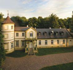 Pałac Lasotów - jeśli jesteś zainteresowany przyjęciem w tym Pałacu, wejdź na: http://www.gdziewesele.pl/Domy-weselne/Palac-Lasotow.html