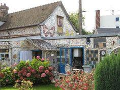La Maison a Vaisselle Cassee in France