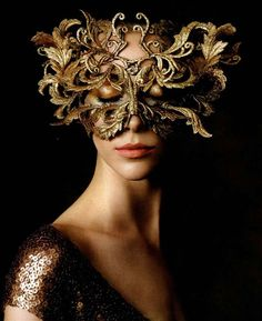 Philip Treacy Mask photographed by Victor Demarchelier for Harper's Bazaar USA October 2013. #passion4hats