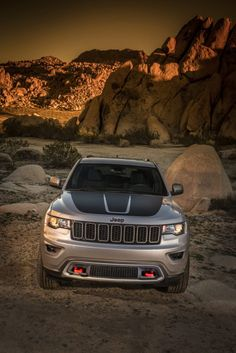 2017 Jeep Grand Cherokee Trailhawk - New Details & Photos Grand Cherokee Trailhawk, 2017 Jeep Grand Cherokee, Jeep Wrangler Lifted, Jeep Wrangler Unlimited, Lifted Jeeps, Jeep Grand Cherokee Accessories, Jeep Wallpaper, Jimny Suzuki, Jeep Accessories