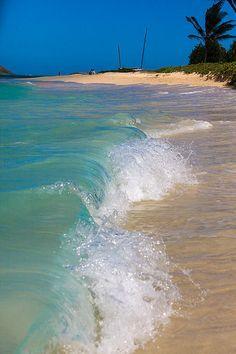 Along the beach in Lanikai (Oahu, Hawaii)