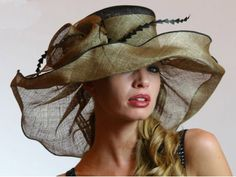 Free Vintage Hat Patterns Over the Top Toppers Fascinator's and Head Pieces This Green Pamela Sinamay Hat would be a fun addition to a Spring/Summmer wardrobe Fancy Hats, Cool Hats, Sombreros Fascinator, Sinamay Hats, Fascinators, Headpieces, Millinery Hats, Carole Middleton, Types Of Hats