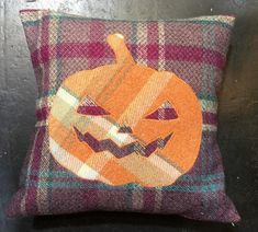 Halloween Home Decor, Halloween House, Halloween Gifts, Halloween Pumpkins, Halloween Decorations, Handmade Pillows, Etsy Handmade, Decorative Throw Pillows, Handmade Gifts