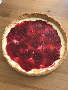 Cheesecake com geleia de cranberry