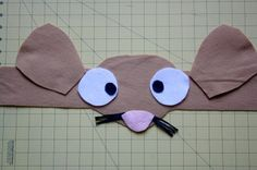 http://theeducatorsspinonit.com/2014/10/diy-gruffalo-inspired-mouse-costume.html