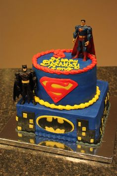 Superman vs Batman Fondant Cake
