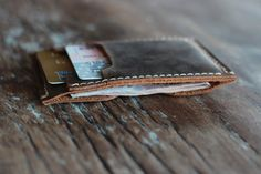 The Inside Out Men's Leather Wallet Minimalist por JooJoobs