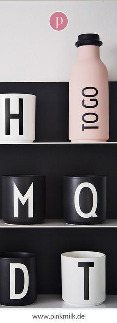 Die Becher von Design Letters sind echte Klassiker! Das edle, minimaoistische Design ist zeitlos und lässt sich toll kombinieren. Außerdem ist lassen sich die Becher schön verschenken. #lettering #becher #buchstabe #tasse #schwarz #weiß #deko #inspiration Flip Clock, Lettering Design, Letters, Inspiration, Home Decor, Beautiful Homes, Tablewares, Decorating Ideas, Monochrome