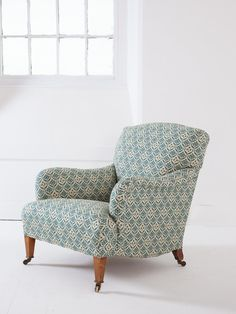Howard Bridgewater Armchair – Drew Pritchard Ltd Sofa Chair, Armchair, Salvage Hunters, English Country Decor, Apartment Furniture, English Style, Chair Covers, Upholstery, Furniture Design
