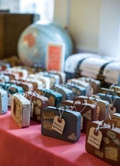 Your Guests Will Go Crazy For These Mini Wedding Favors || Colin Cowie Weddings