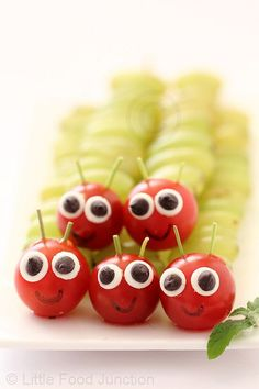 Grape and Tomato Caterpillars, Very Hungry Caterpillars – Edible Crafts Edible Crafts, Food Crafts, Chenille Affamée, Fruits Decoration, Hungry Caterpillar Party, Preschool Snacks, Healthy Snacks For Kids, Snacks Kids, Eat Healthy