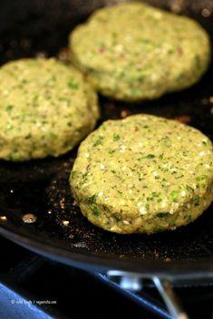 Falafel Burgers, Vegan Burgers, Vegetarian Cooking, Vegetarian Recipes, Healthy Recipes, Vegetarian Barbecue, Vegetarian Dinners, Italian Cooking, Healthy Lunches
