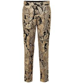 These runway-featured metallic jacquard cigarette pants captured the decadent mood that permeated Dolce & Gabbana's collection. The high-rise pair features a botanical baroque design in a golden tone, offset with . Suede Pants, Knit Pants, Wool Pants, Cotton Pants, Dolce & Gabbana, Straight Leg Pants, Alternative Fashion, Nike Sportswear, Dress Patterns