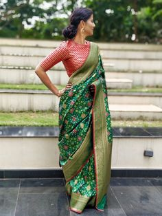 Banarasi Silk Saree Pan Patola weaves Comes with running striped zari woven blouse Trendy Sarees, Stylish Sarees, Fancy Sarees, Sari Blouse Designs, Fancy Blouse Designs, Indian Dresses, Indian Outfits, Lehnga Dress, Saree Blouse