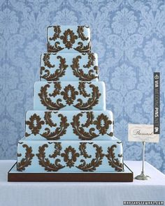Wedding Cake in Damask Pattern | VIA #WEDDINGPINS.NET