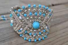 Hemp macrame bracelet with turquoise round stones, cream agate round stones and Toho seed beads - front view