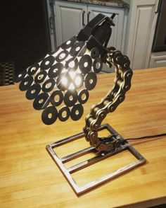 Items similar to Roller Chain Desk Lamp on Etsy Welding Art Projects, Metal Art Projects, Metal Crafts, Diy Welding, Welding Tools, Metal Furniture, Industrial Furniture, Lampe Metal, Roller Chain