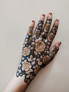 Round Mehndi Design, Henna Flower Designs, Mehandhi Designs, Basic Mehndi Designs, Finger Henna Designs, Back Hand Mehndi Designs, Latest Bridal Mehndi Designs, Mehndi Designs For Girls, Mehndi Design Photos