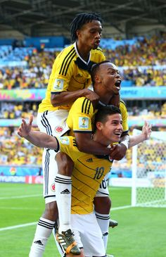 Easy Tips For Success In Everything Footy. No matter who you are, when you're playing a sport you do want to be great at it. World Football, Soccer World, Football Soccer, Top Soccer, Good Soccer Players, Football Players, James Rodriguez Colombia, Colombia Soccer, James Rodrigues