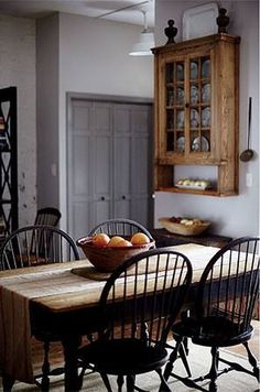 beautiful timber and colour palette........