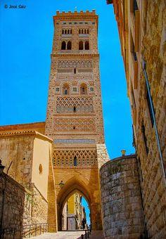 Torre Mudéjar de San Martín, edificada en 1316 y Patrimonio de la Humanidad desde 1986. Teruel, España.