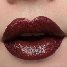 #besamecosmetics Shop - Besame Cosméticos, noir red