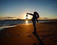 Capturer le soleil avant qu'il disparaisse #royan #sunset #couchédesoleil #charentemaritime #sky #beach #plage