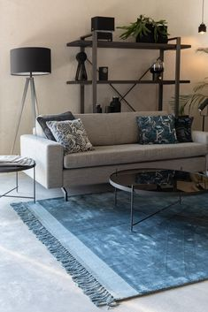 Look at our stunning handwoven Blink carpet. Yes, it only comes in solid colours, but Black White And Grey Living Room, Living Room Grey, Small Living Rooms, White Rug, Living Room Designs, Living Room Decor, Silver Carpet, Blue Carpet, Diy Carpet