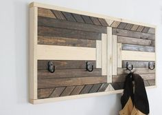 Geometric wall art wood coat each coat hooks homestead mountains rustic cabin photo shoot prop staging Diy Pallet Sofa, Diy Pallet Projects, Woodworking Projects, Woodworking Shop, Pallet Ideas, Woodworking Apron, Woodworking Supplies, Woodworking Videos, Easy Projects