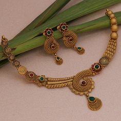 Gold Jewelry Simple, Gold Wedding Jewelry, Bridal Jewelry, Indian Jewelry Earrings, Jewelry Design Earrings, Diamond Necklace Set, Diamond Jewellery, Gold Necklace, Gold Costume Jewelry