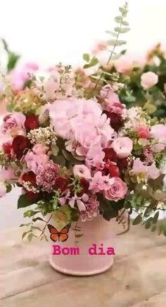 Beautiful Flower Arrangements, Floral Arrangements, Beautiful Flowers, Deco Floral, Arte Floral, Floral Design, Bouquet Champetre, Raindrops And Roses, Bloom