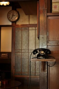 黒電話 Japanese old phone Telephone Vintage, Vintage Phones, Nail Designer, Old Phone, Craftsman Style, Craftsman Interior, Decoration, Vintage Antiques, Sweet Home