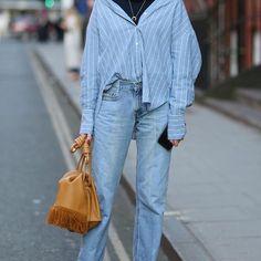 Contrast. LOEWE 'Flamenco Knot Flap' Bag on the street of #LFW #REpost from standard.uk #LOEWE #LOEWETH