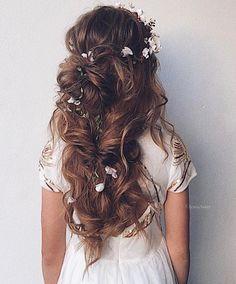Beautiful Wedding Hair Down | Bridal Hairstyles | itakeyou.co.uk #weddinghair #bridalhairstyle #hairideas #hairdown