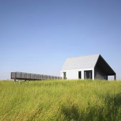 Pictures - House on Limekiln Line - photo: Shai Gil - Architizer House on Limekiln Line Huron County, Ontario, Canada A project by: Studio Moffitt Architecture Ontario, Agriculture, Architecture Résidentielle, Amazing Architecture, Passive House, Farmhouse Design, Green Building, Exterior Design, Modern Exterior
