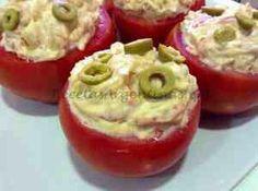 Tomates Rellenos de Atún y Papas.-