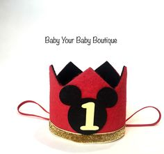 Mickey Mouse Crafts, Mickey Y Minnie, Mickey Party, First Birthday Hats, Mickey Mouse First Birthday, Birthday Fun, Mickey Mouse Decorations, Diy Party Decorations, Boy Birthday Invitations
