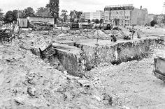 Excavating Hitlers bunker in Berlin 1988.(1261X839