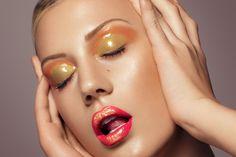 Gloss makeup - gold & beauty