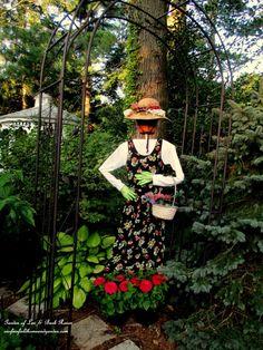 I like this idea of a DIY Wood Scrap Scarecrow ✔ ~ This Cheerful Garden Maiden has wooden frame body, a flowerpot head & garden glove hands Garden Whimsy, Garden Junk, Lawn And Garden, Home And Garden, Make A Scarecrow, Wood Scarecrow, Scarecrows For Garden, Garden Angels, Wood Scraps