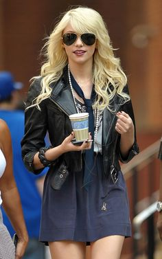 Taylor Momsen 2015 Long Blonde Hair Extensions for Girls Taylor Swift, Taylor Momsem, Jenny Taylor, Gossip Girl Outfits, Gossip Girl Fashion, Rocker Style, Rocker Chic, Moda Gossip Girl, Rock Look