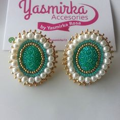 Imagen relacionada Thread Jewellery, Craft Accessories, Jewelry Patterns, Bead Earrings, Beaded Embroidery, Diy Jewelry, Diy And Crafts, Beads, Crystals