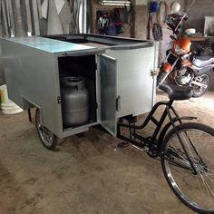 Food Bike – Funilaria Calixto Drift Trike, Mobile Kiosk, Mobile Food Cart, Food Cart Design, Bike Cart, Bike Food, Metal Wall Panel, Taco Stand, Food Truck Business
