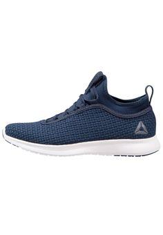¡Consigue este tipo de zapatillas de Reebok ahora! Haz clic para ver los  detalles. Envíos gratis a toda España. Reebok PLUS RUNNER WOVEN Zapatillas  neutras ... 9919eb9f674